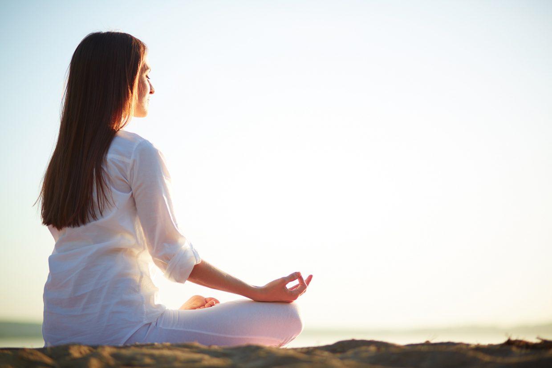Combate el estrés con la práctica del yoga